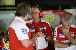 Davide Tardozzi, Ducati Team Takım Patronu, Paolo Ciabatti, Ducati Corse Yarış Direktörü, Paolo Campinoti, Octo Pramac Racing Takım Patronu