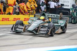 Spencer Pigot, Ed Carpenter Racing Chevrolet, azione ai box