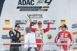 Podyum: 2. Kami Laliberté, Van Amersfoort Racing; 1. Mick Schumacher, Prema Powerteam; 3. Thomas Preining, Lechner Racing