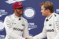 Lewis Hamilton, Mercedes AMG F1 viert zijn pole met Nico Rosberg, Mercedes AMG F1