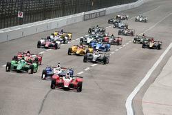 Départ : Carlos Munoz, Andretti Autosport Honda mène le peloton