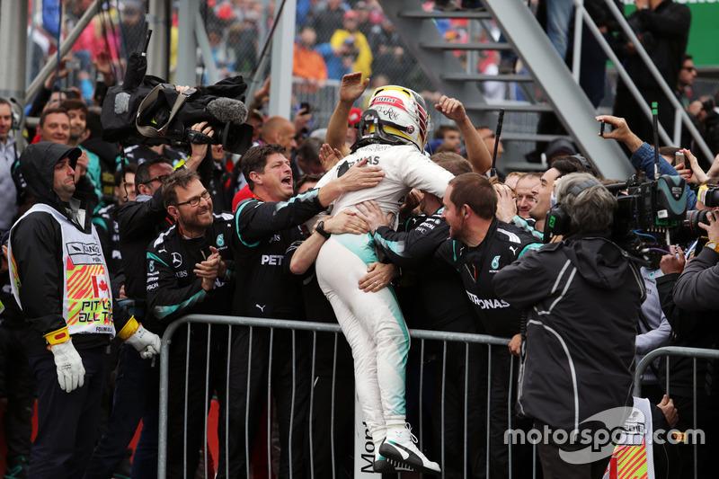 Ganador, Lewis Hamilton, Mercedes AMG F1 celebra