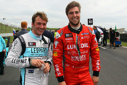 Jean-Karl Vernay, Volkswagen Golf GTI TCR, Leopard Racing; Pepe Oriola, SEAT Leon, Craft Bamboo Racing LUKOIL