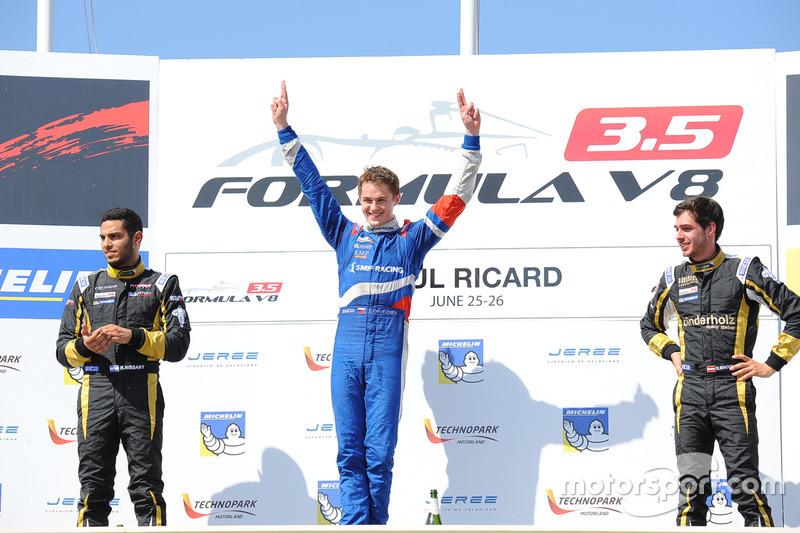 Podio: ganaor de la carrera Egor Orudzhev, Arden Motorsport, segundo lugar Roy Nissany, Lotus, tercer ugar Rene Binder, Lotus