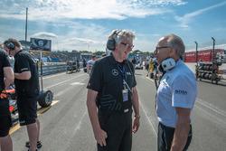 Фриц Амерсфурт, глава Van Amersfoort Racing и Питер Мюке, глава kfzteile24 Mücke Motorsport