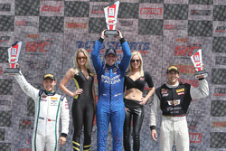 GT podyum: 1. Ryan Eversley, RealTime Racing, 2. Adderly Fong, Bentley Team Absolute, 3. Michael Cooper, Cadillac Racing