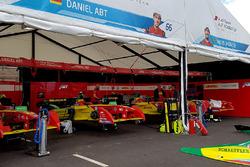Pits Team ABT Schaeffler Audi Sport