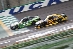 J.J. Yeley, JGL Racing Toyota, Brendan Gaughan, Richard Childress Racing Chevrolet