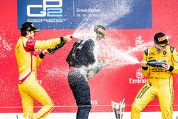 Podio: Ganador de la carrera Pierre Gasly, segundo lugar Antonio Giovinazzi y el tercer lugar Oliver Rowland