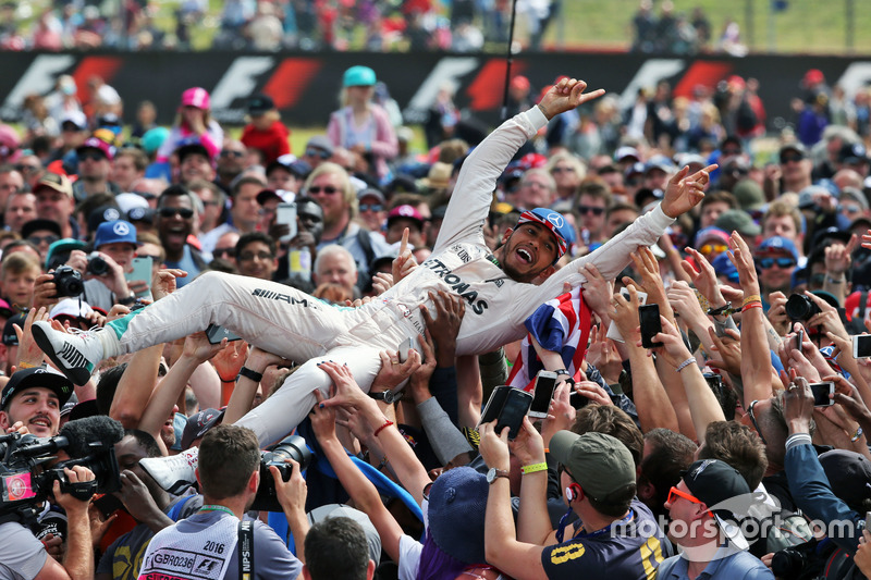 #1: Crowd-surfing in der Formel 1