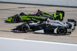 Alexander Rossi, Herta - Andretti Autosport, Honda; Charlie Kimball, Chip Ganassi Racing, Chevrolet