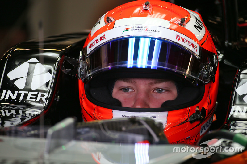 Nikita Mazepin, piloto de desarollo del Sahara Force India F1 Team, con el VJM09