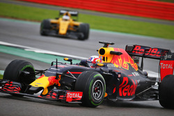 Pierre Gasly, Red Bull Racing RB12, Testfahrer
