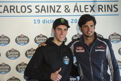 Alex Rins y Carlos Sainz en un evento de Estrella Galicia en Madrid