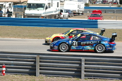 Close action in Porsche GT3 Cup race