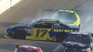 Stenhouse Jr. hits the wall at Texas!!