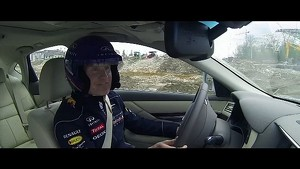 Infiniti F1 Performance 2013: Sebastien Vettel And David Coulthard Lap Sochi
