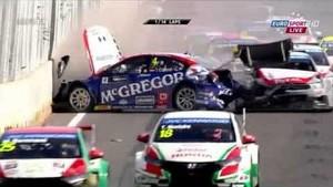 2014 FIA WTCC - Round 1: Marrakech, Morocco - race 2 crash and race suspended
