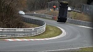 Crash de la Nissan GT-R Nismo crash de Jann Mardenborough sur la manche 1 de la saison VLN