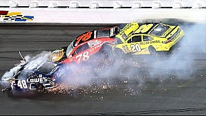 Kenseth, Johnson react to final-lap crash