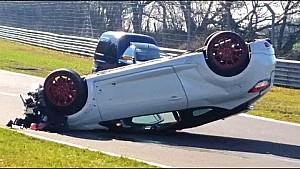 Crash d'une Renault Mégane sur le Nürburgring Nordschleife