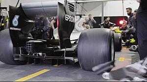 F1-Boxenstopp mit Pirelli-Breitreifen