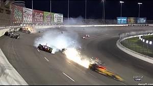 Meerdere auto's betrokken bij grote IndyCar-crash in Texas