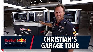 Christian Horner geeft rondleiding door de Red Bull-pitbox