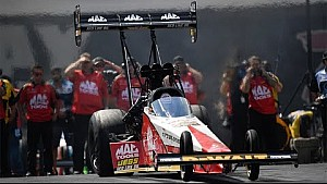 Doug Kalitta gets his first win of the season in Charlotte